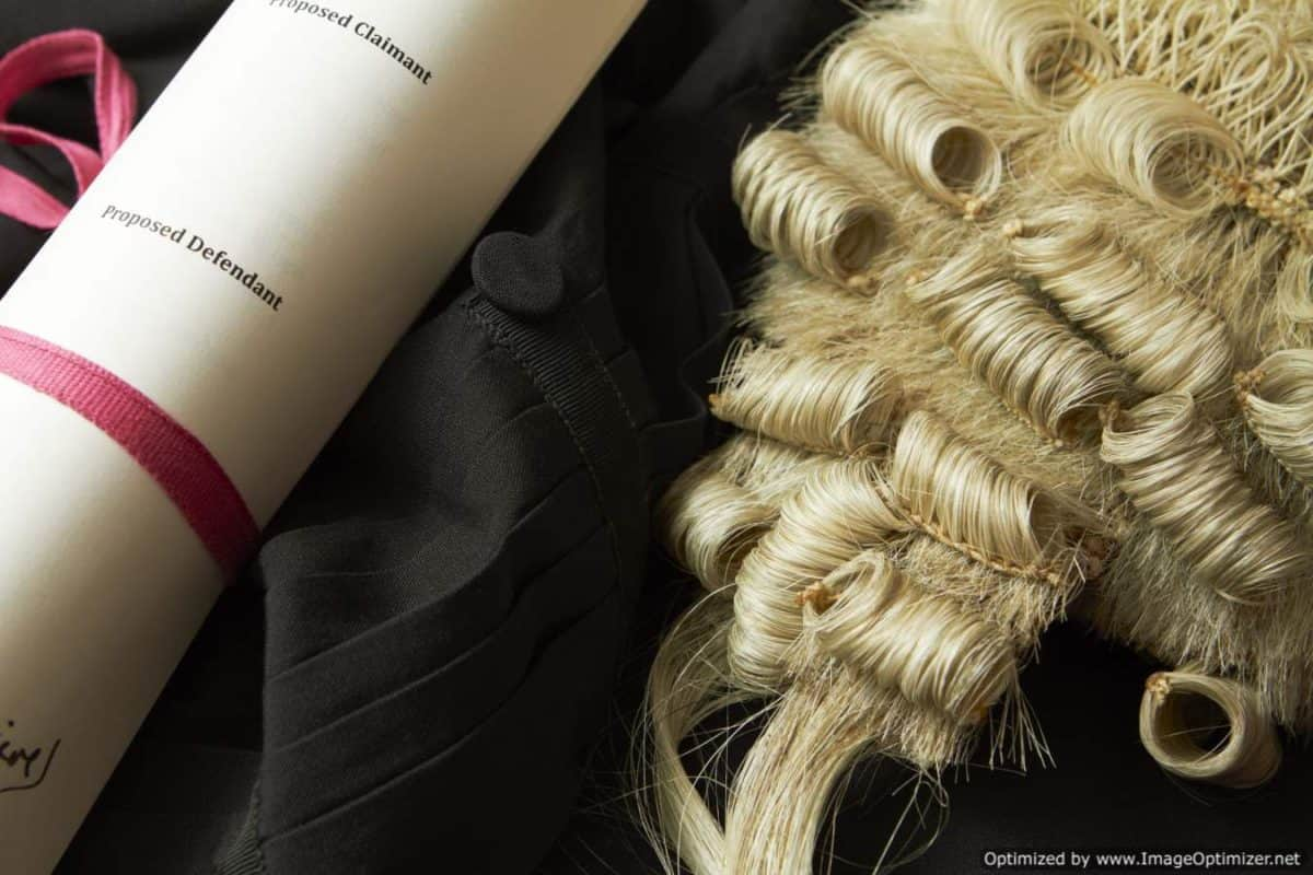 wig and scroll